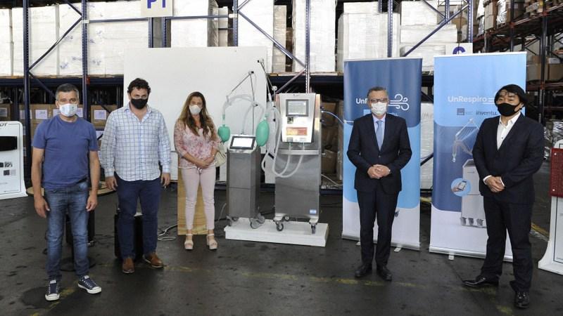 Zabaleta y el secretario de Industria de la Nación, Ariel Schale, entregaron líneas de financiamiento a pymes de Hurlingham