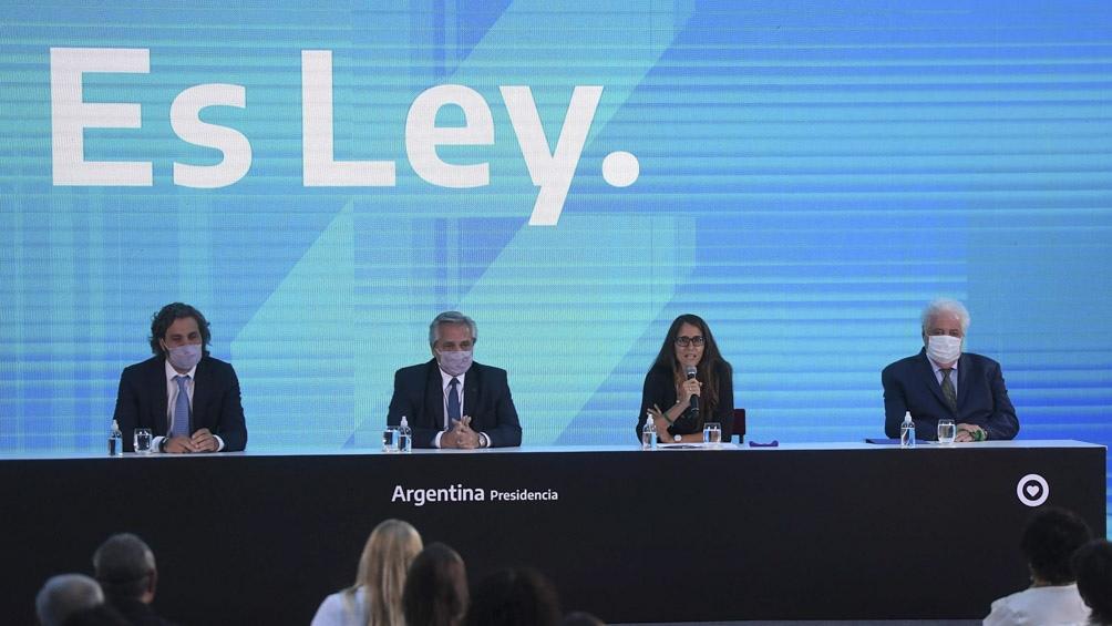 """Fernández: """"La batalla por la igualdad de derechos de las mujeres continúa"""""""