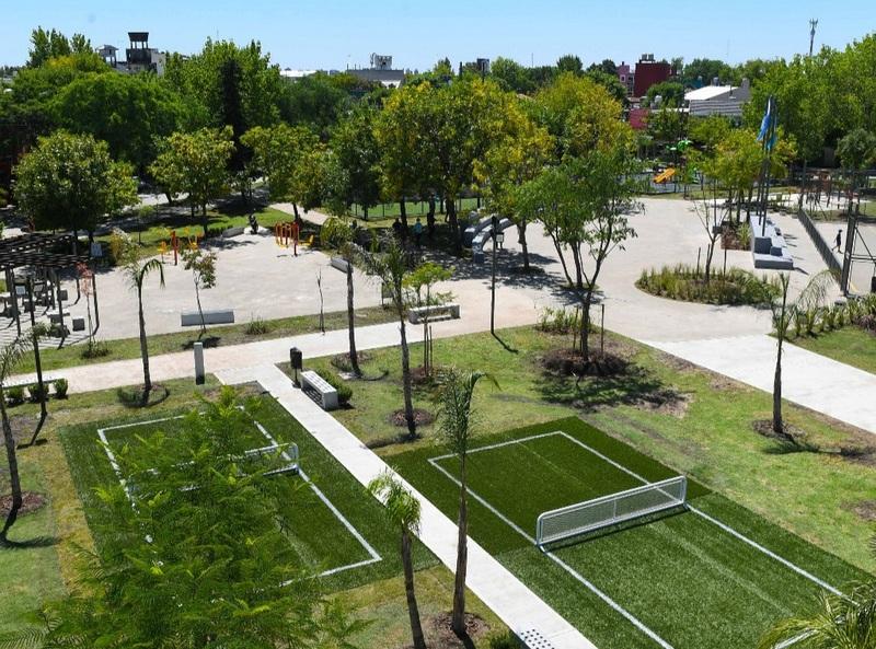 """San Fernando renovó la Plaza """"San Pablo"""" con más canchas, juegos, sectores de ejercicio y árboles"""