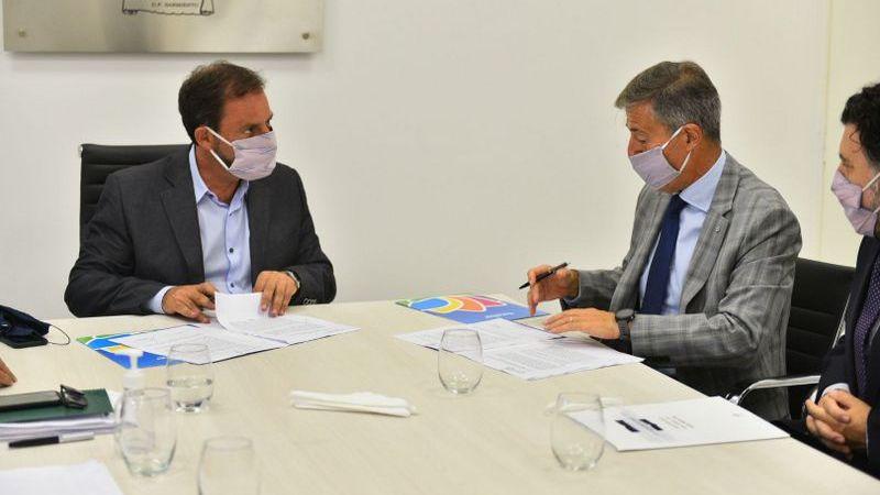 La Municipalidad de Escobar y la UNSAM firmaron un convenio para el dictado de cuatro nuevas diplomaturas en el PES y acordaron continuar con la distribución gratuita de tapabocas antivirales