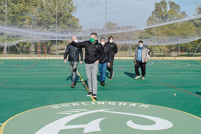 Zabaleta recorrió las obras de infraestructura deportiva que se realizan en el Polideportivo y en el Centro Recreativo municipal