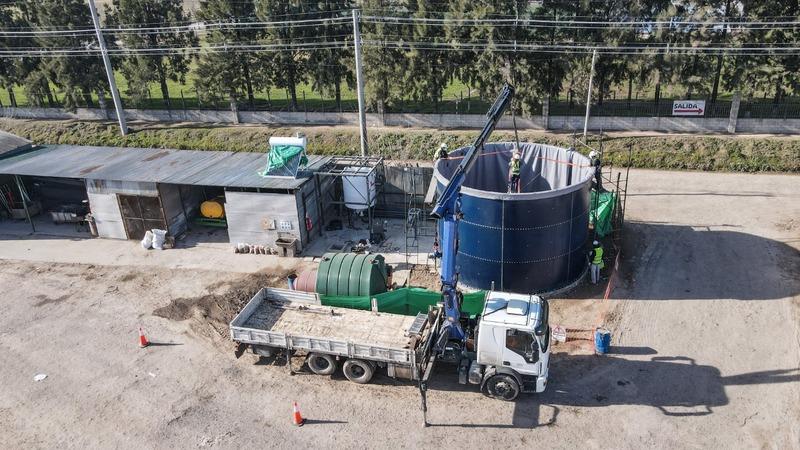 En el barrio Lambertuchi avanza la construcción del primer biodigestor del distrito