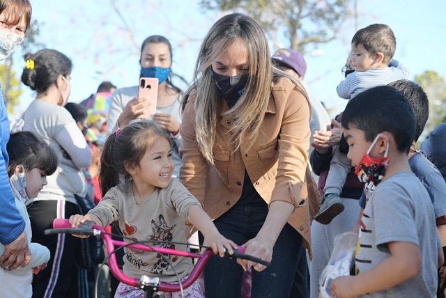 Malena Galmarini junto a concejales del Frente de Todos de Tigre participó de varios festejos del Mes de las Niñeces