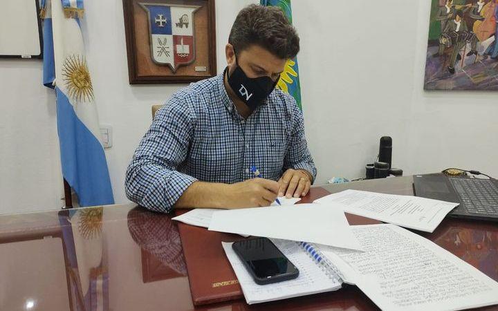 Nanni firmó convenio por la llegada del Resonador