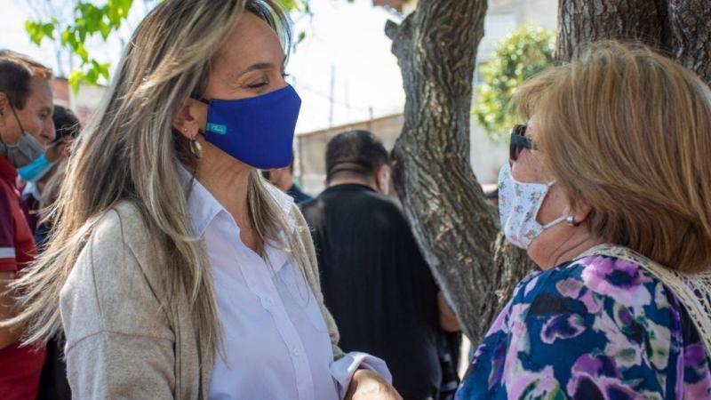 *Malena Galmarini y Alberto Descalzo inauguraron una red de agua potable y firmaron un convenio para nuevas obras en Ituzaingó*