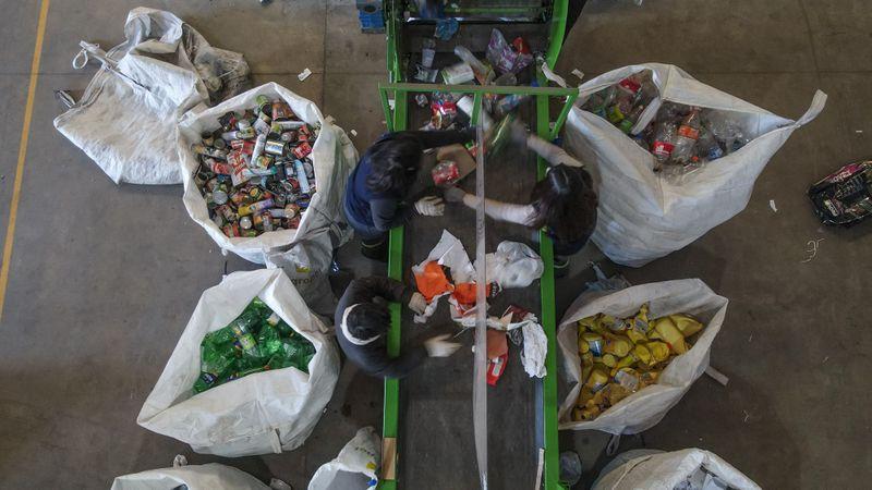 Escobar Sostenible: los puntos verdes móviles siguen recorriendo el distrito y recolectaron más de 9.700 kilos de materiales reciclables