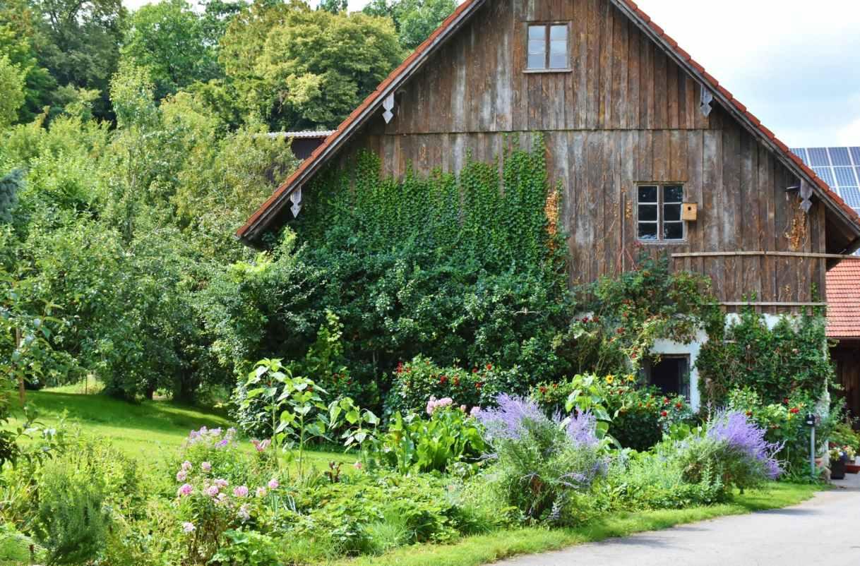 home-farmhouse-old-house-old-farmhouse-158228
