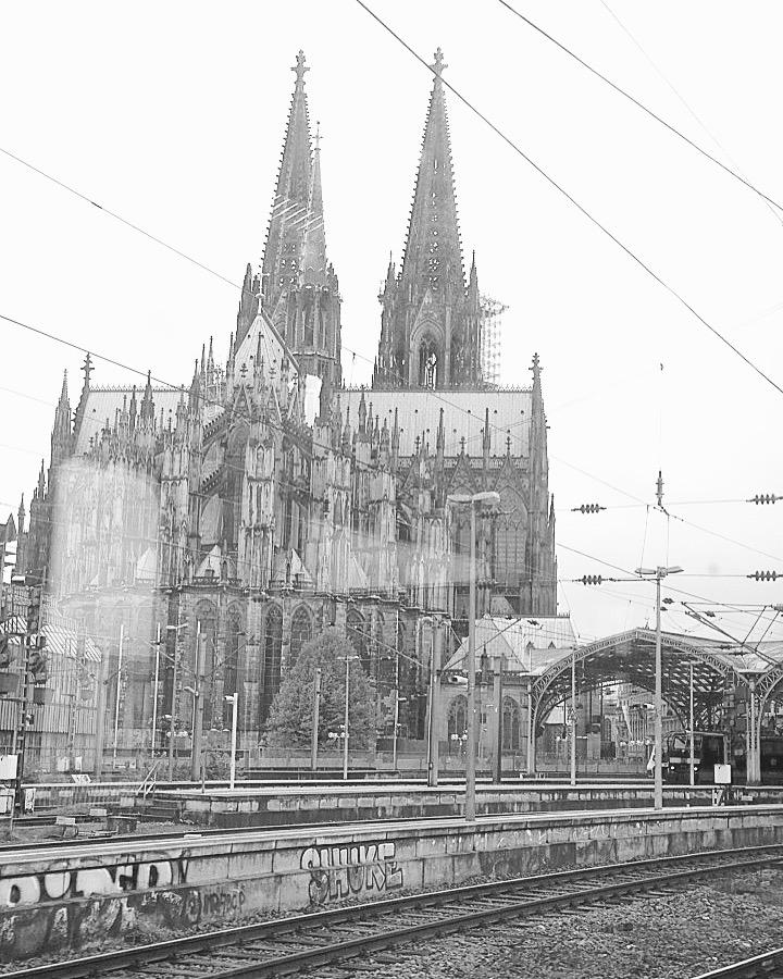 Kölner Dom aus der Ferne
