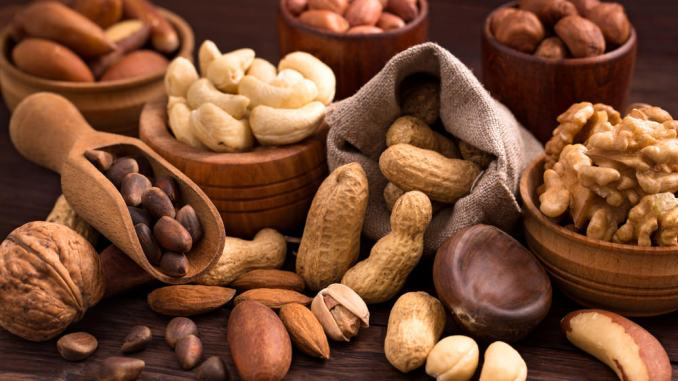 nuts are a healthy snack