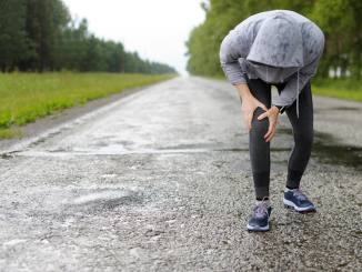 How does rain impact joint pain?