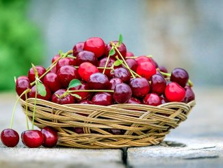 some health benefits from cherries
