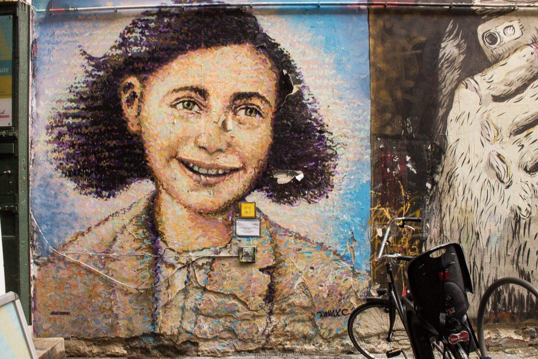 Anne Frank mural in Berlin | AlternativeTravelers.com