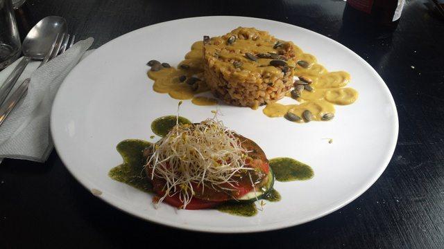 Vegan food in Valencia at La Mandragora