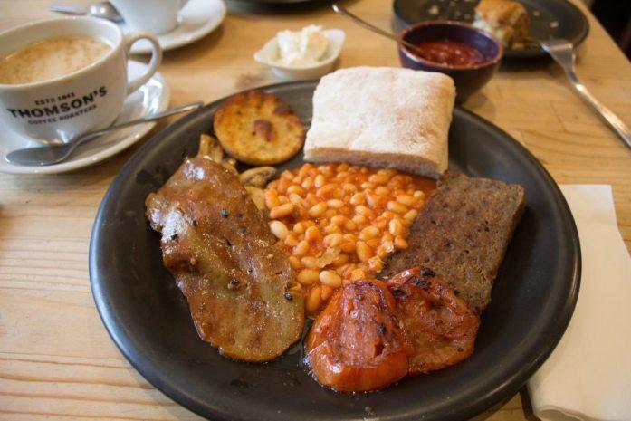 Vegan Scottish breakfast in Glasgow | Soy Division: Vegan Restaurants in Glasgow | Best Vegan Food in Glasgow | AlternativeTravelers.com