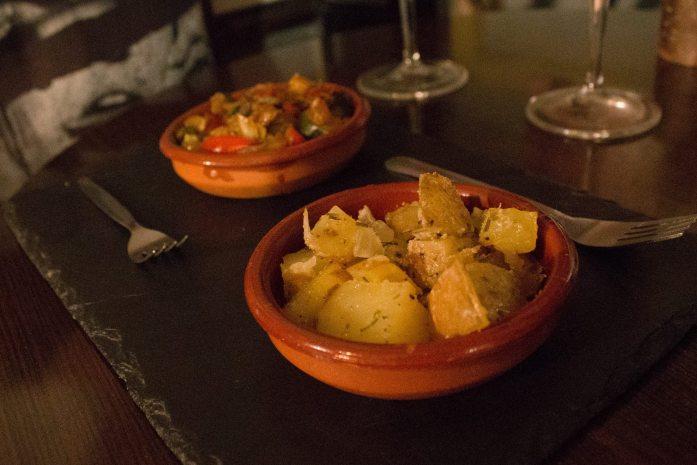 Guide to Vegan Tapas in Granada, Spain: Where to find the best vegan and vegetarian tapas in Granada!