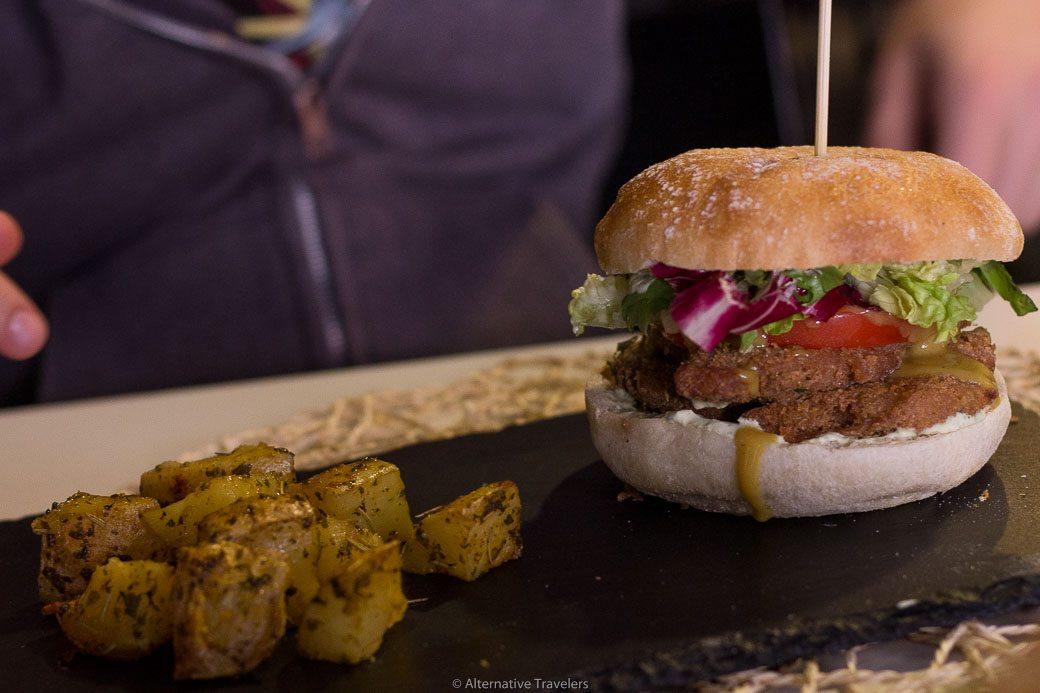 burger menú del día at Cookaluzka, Madrid, Spain