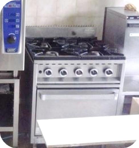 Cucina A Gas Professionale Usata.Cucina A Gas 6 Fuochi Professionale Usata
