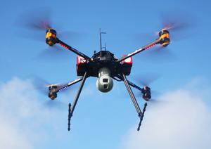 Drone pour l'inspection et la surveillance avec caméra HD et zoom 30X ainsi qu'une caméra infrarouge - thermique
