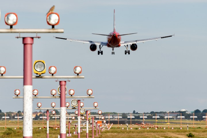 Contrôle et maintenance des systèmes d'atterrissage automatique (ILS) par drone