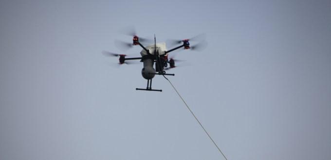 altigator-onyxstar-drone-vol-captif-tethered-flight-live-broadcast-tv-aerial-view