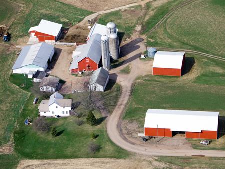 Inspection et surveillance d'une ferme par drone