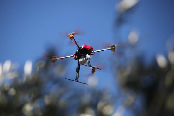 thermal camera surveillance drone1 - La surveillance par drone grâce à deux caméras: HD et thermique avec zoom