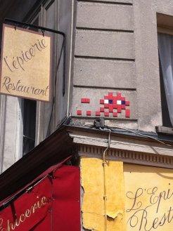 Mosaïque réalisée par le Street Artiste situé rue des petits carreaux à Paris