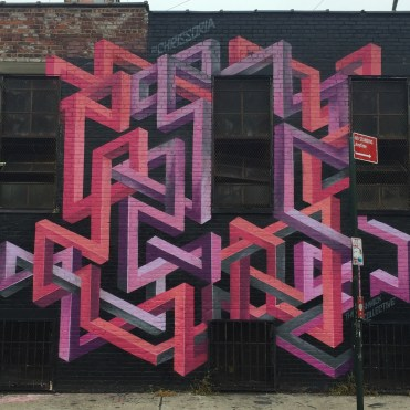 Wall mural with variable geometry by New York artist Chris Soria
