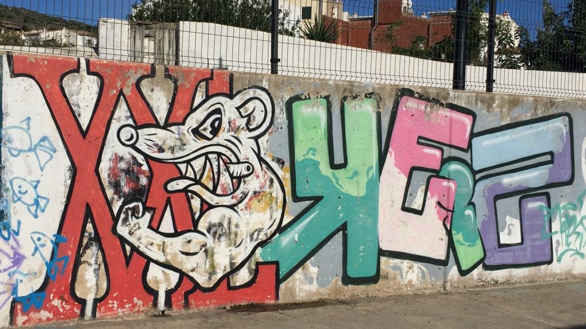 Trouver des graffitis et du Street Art à Cadaqués ! C'est surréaliste !