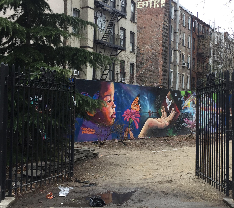 Petite fille par Danielle Mastrion - Street Art New york