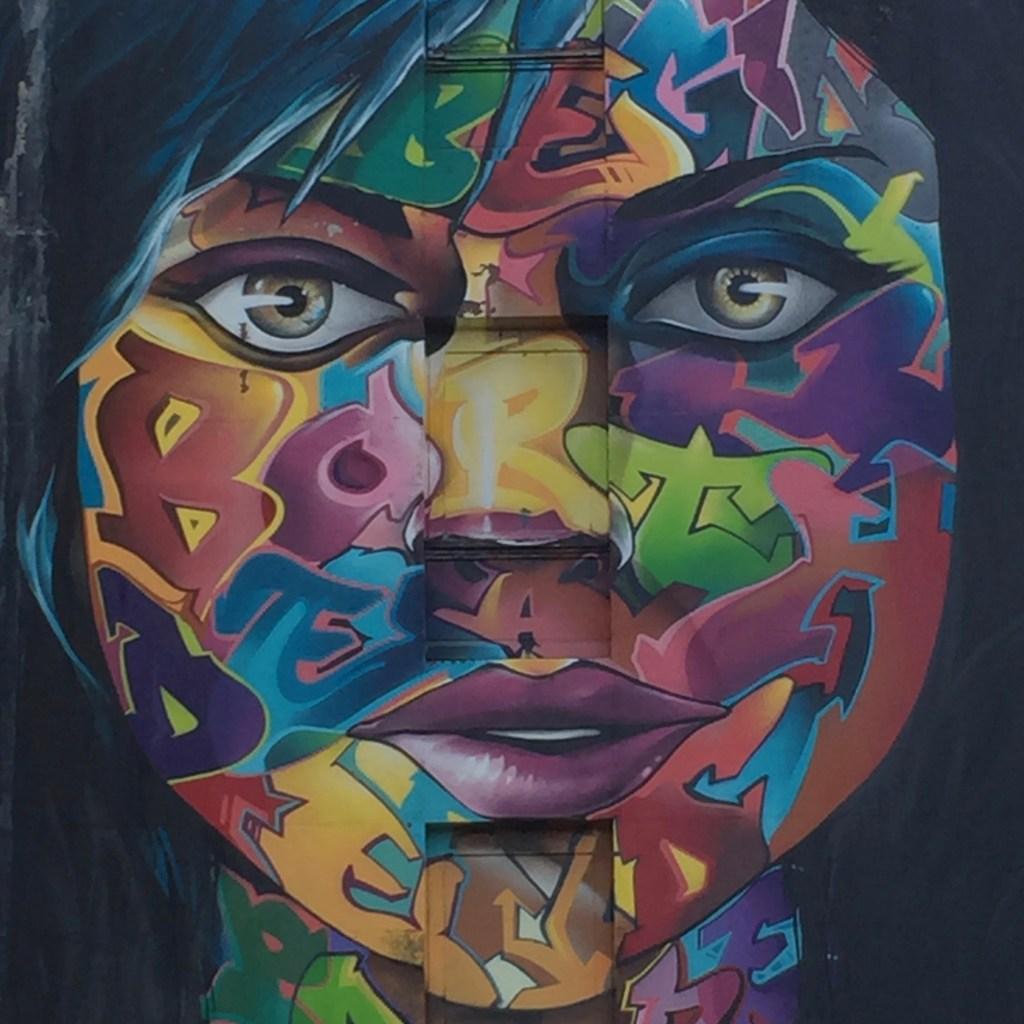 Street Art : magnifique fresque murale réalisée par le graffeur SNAKE