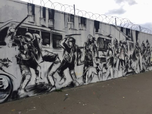 Street Art Paris - fresque dénonçant les violences policières