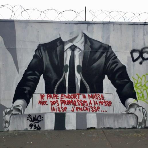 Street Art Paris - fresque réalisée par Sun.c contre les promesses politiques non tenues