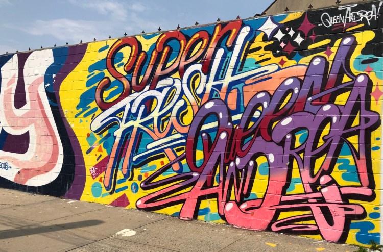 Fresque murale de Super Fresh par Queen Andréa pour le Welling Court Mural Project -
