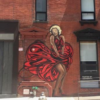 Oeuvre de Street Art située à Manhattan représentant Marilyn Monroe, réalisée par l'artiste Zimer