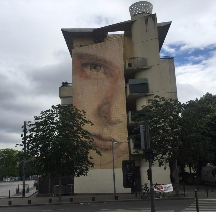 Visage de la fille de l'artiste Christian Guméy réalisé par Jorge Rodriguez Gerada _ Street Art Vitry sur seine