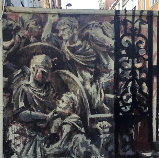 bas relief mythologie grecque par Gonzalo Borondo - Street Art Boulogne-sur-mer