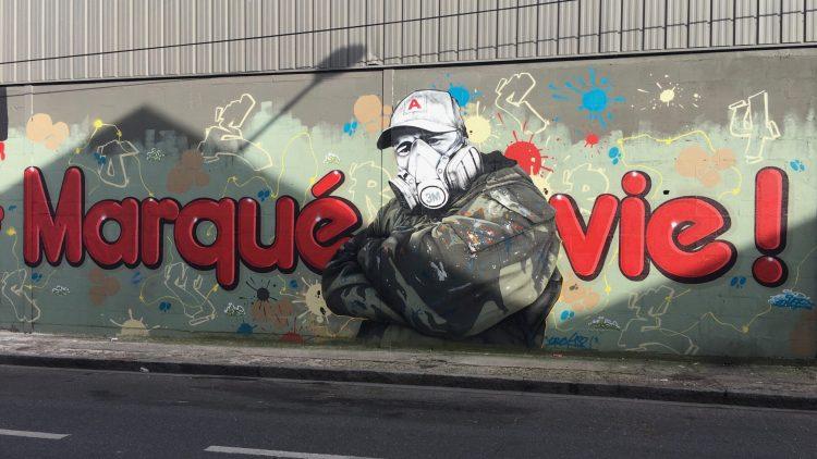 Fresque Murale Marqué à Vie par le graffeur Crey132