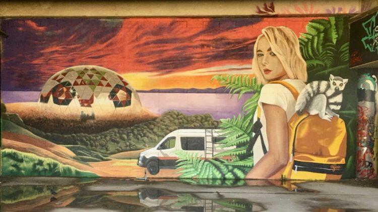 Mur peint par l'artiste Elgee au Spot 13 - Street Art Paris