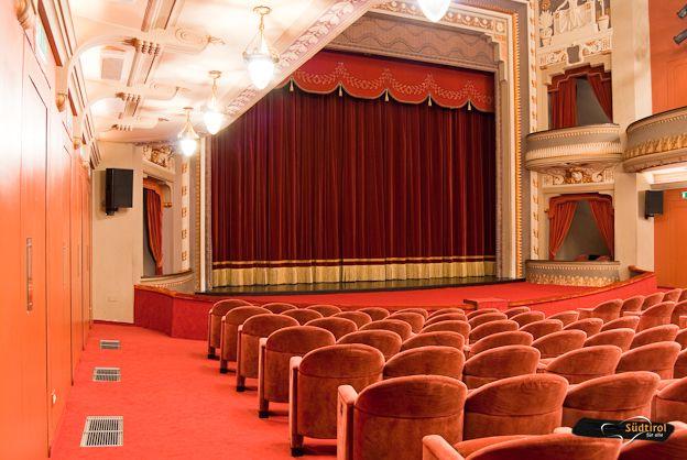POI Teatro Puccini di Merano  Alto Adige per tutti turismo senza barriere portale