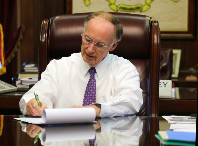 Gov Robert Bentley bill signing