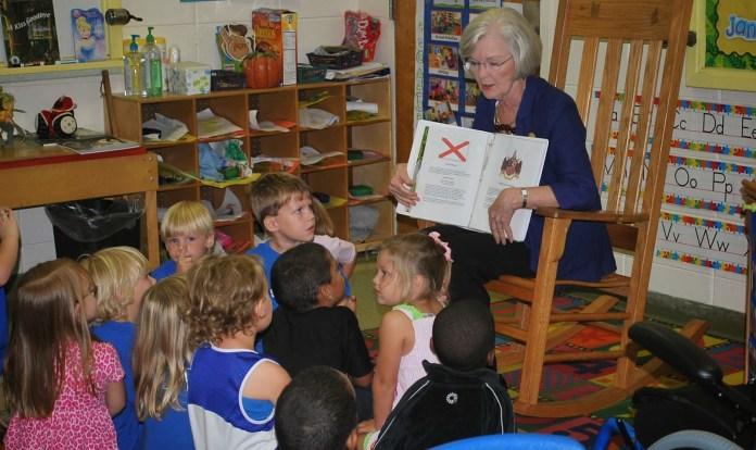 Dianne Bentley reading book