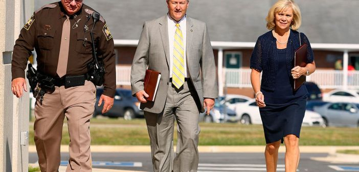Mike Hubbard walks to courthouse