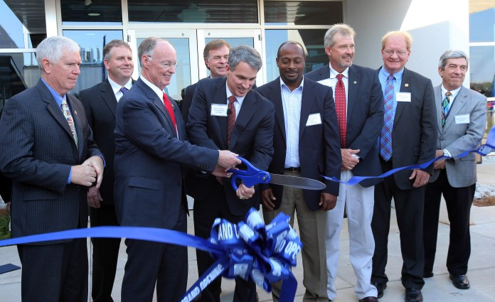 robert-bentley-polaris-ribbon-cutting