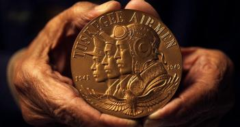 tuskegee-airmen-gold-medal