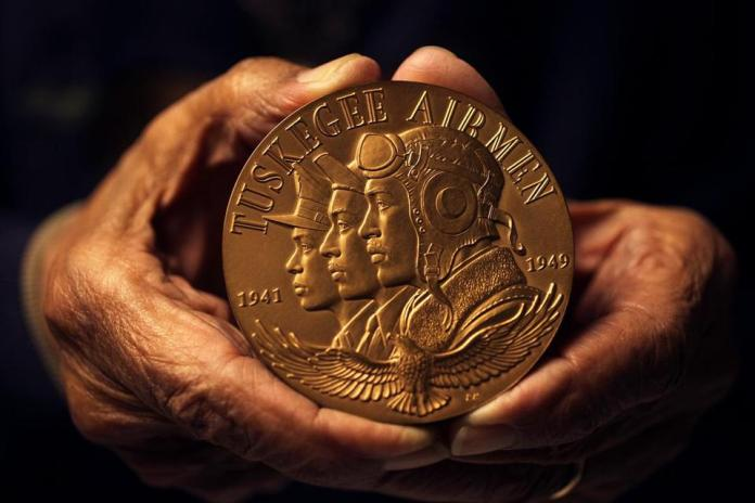 tuskegee-airmen-gold-medal
