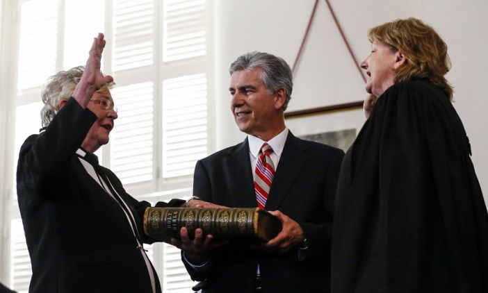 Kay Ivey swearing in