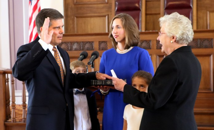 Hal Taylor Takes Oath of Office