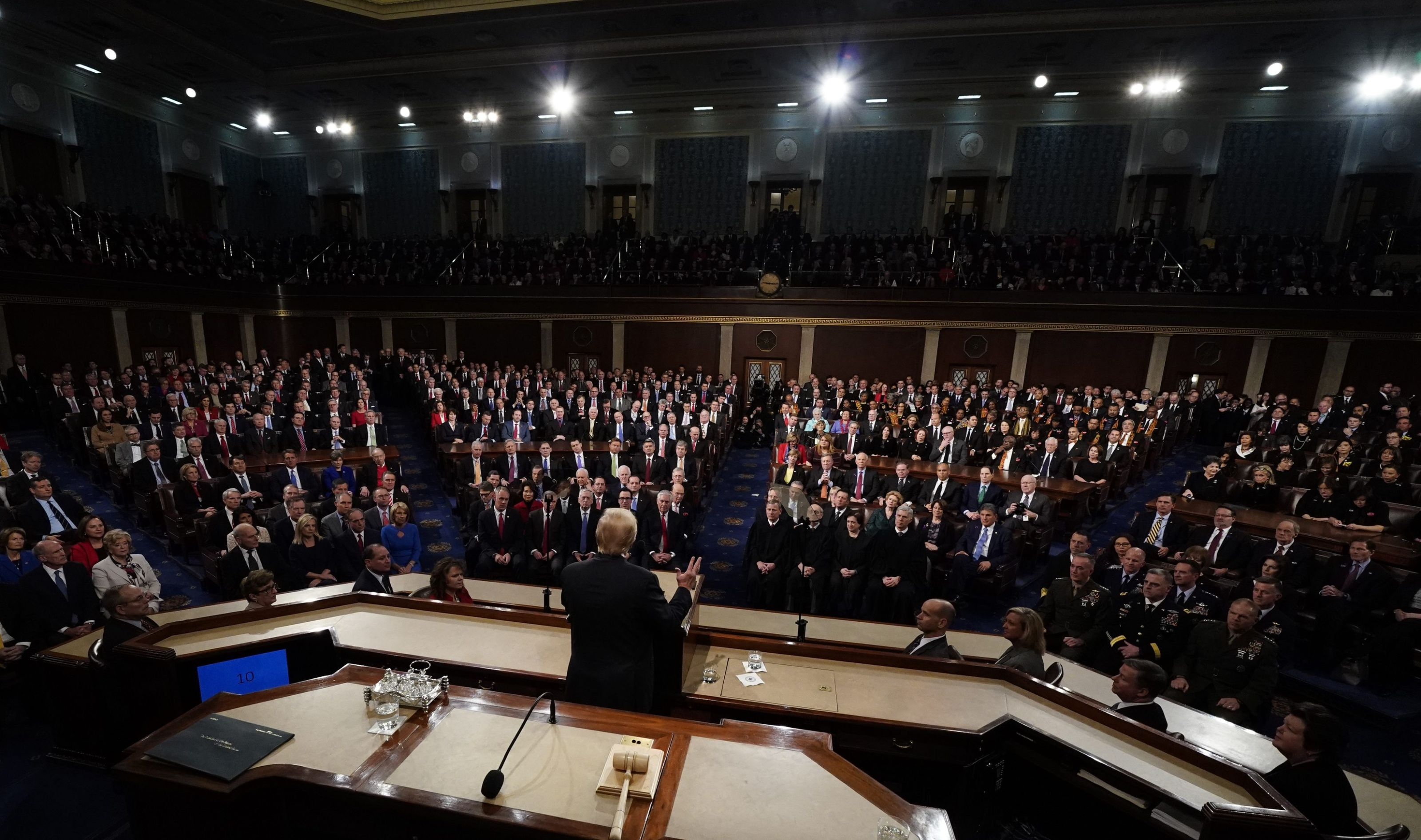 US Congress grapples with immigration, averting funding fight