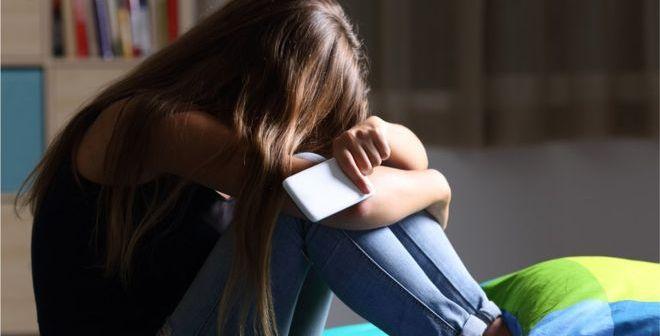 sad child_cyber bullying